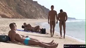 Retro gay neuken op het strand