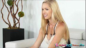 Brooke Logan is een zeer sexy babe die dol is op zuigen en neuken