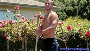 De zoon van de homoseksuele beschermheer werd verliefd op de tuinman