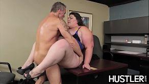 Seks op kantoor, met de dikke Bella Bendz