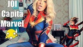 Captain Marvel laat ons haar hele collectie dildo's zien